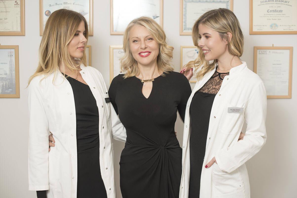 Dr Nataša Zmbov sa ćerkama Anjom i Deom