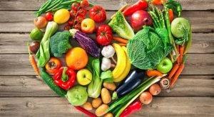 voce i povrce u obliku srca